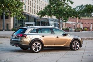 Opel Insignia Country Tourer nu ook met voorwielaandrijving
