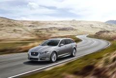XF eerste Jaguar in R-Sport uitvoering   R-Sport: extra sportief uiterlijk én interieur Leverbaar voor zowel Saloon als Sportbrake Eerste XF R-Sport uitvoeringen deze zomer beschikbaar