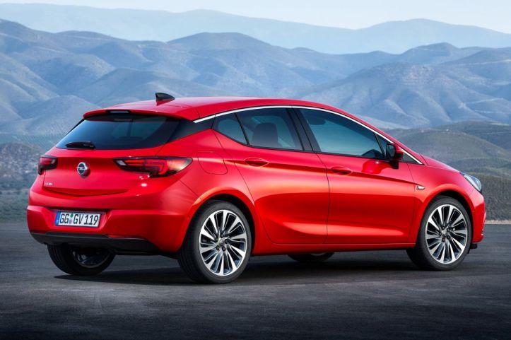 Rijtest Opel Astra achterkant