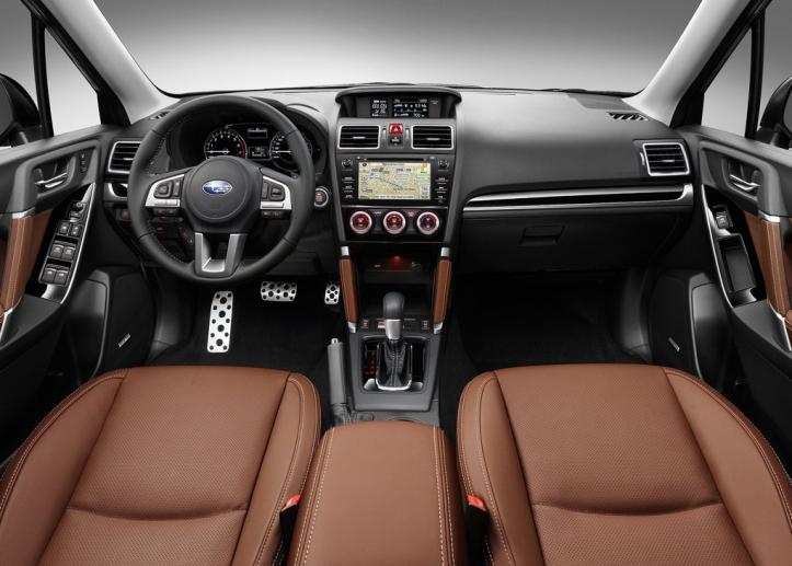 Rijtest Subaru Forester 2016 interieur